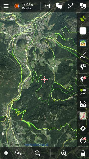 satelitní mapa Solnohradska s heatmapou Strava Biking